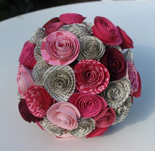 Tons of paper flower inspiration for your wedding or paper paper flower bouquets mightylinksfo