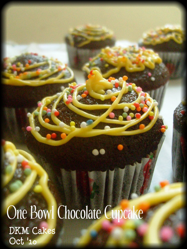 cupcake cokelat, chocolate cupcake, pesan cupcake depok, pesan cupcake jakarta, pesan kue ulang tahun, pesan cake, pesan cupcake ulang tahun, dkm cakes, cupcake jakarta