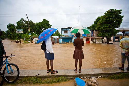 Umbrellas-in-the-rain