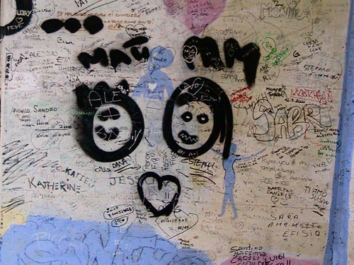 graffiti - Cinque Terre hike, Italy