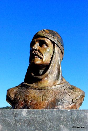 Escultura en recuerdo de Sancho Garcés I sita en Villamayor de Monjardín