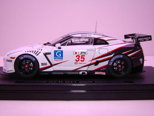 EBBRO NISSAN GT-R GT1 2009 SILVERSTONE (13)
