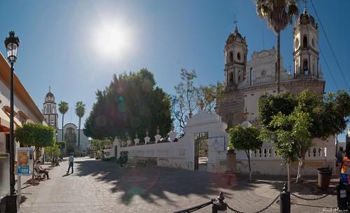 Parroquia de San Pedro Apóstol y Santuario de Nuestra Señora De La Soledad, Tlaquepaque, Jalisco Mexico