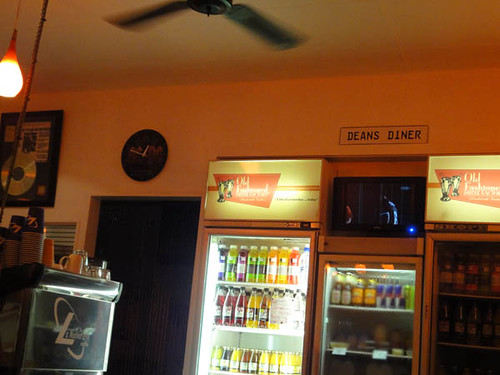 Dean's Diner: AC/DC clock & drinks