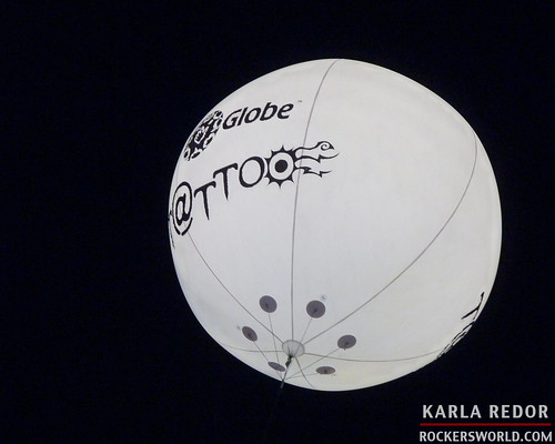 Globe Tattoo balloon at the Paramore Concert in Manila