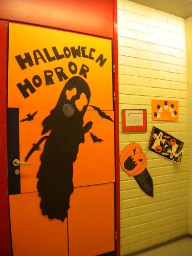 hallowe'en ... classroom door
