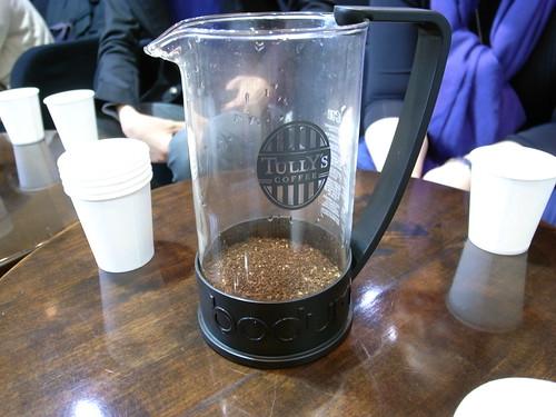 コーヒープレスによる抽出