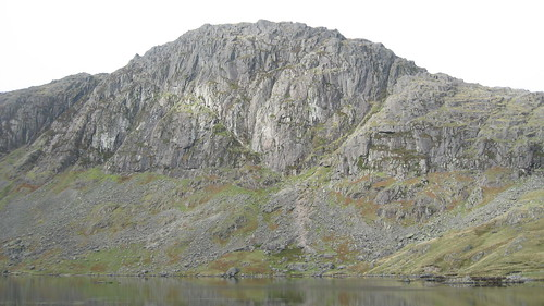 Pavey Ark with the slanting line of Jack's Rake clearly visible