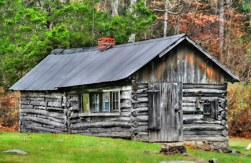 The Ole Log Cabin