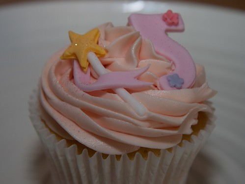 Cirencester Cupcakes - 5th Birthday & Fairy Wand Cupcakes
