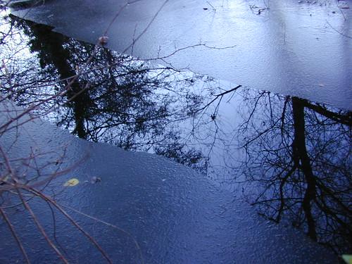 Dscn2215-frozen-stream