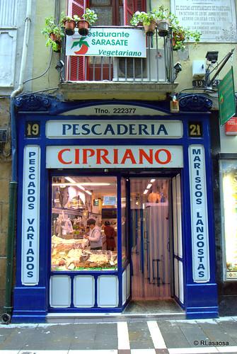 """""""Pescadería Cipriano"""", pescados y mariscos en la calle San Nicolás de Pamplona"""