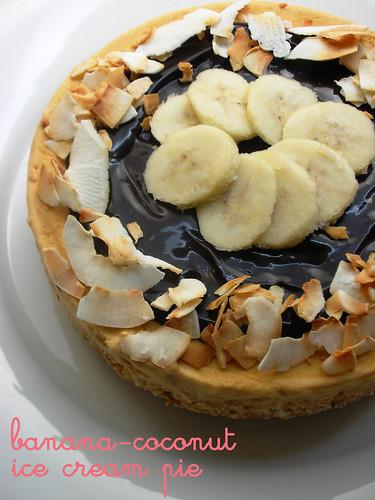 banana-coconut ice cream pie