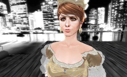 Marie Antoinette in the City (face closeup)