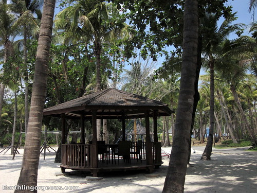 anvaya cove beach facilities and amenities