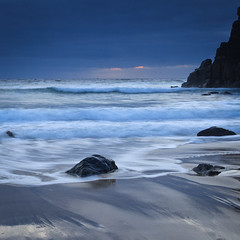 """Dhail Beag Dusk II • <a style=""""font-size:0.8em;"""" href=""""http://www.flickr.com/photos/26440756@N06/4523902013/"""" target=""""_blank"""">View on Flickr</a>"""