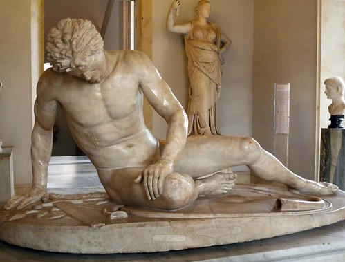 Dying Gaul, close