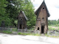 53 - Tree House Village - 20100526
