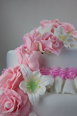 Fondant Rose and Lilly Wedding Cake-2