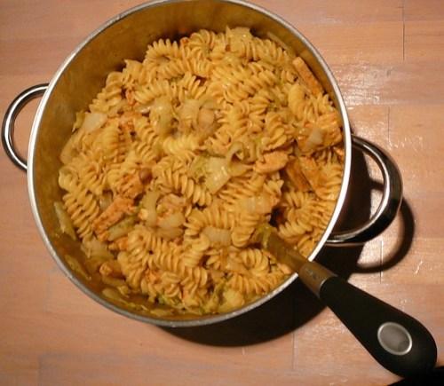 pasta met chinese kool en quornreepjes