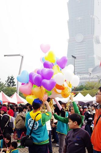 鮮豔的氣球們。
