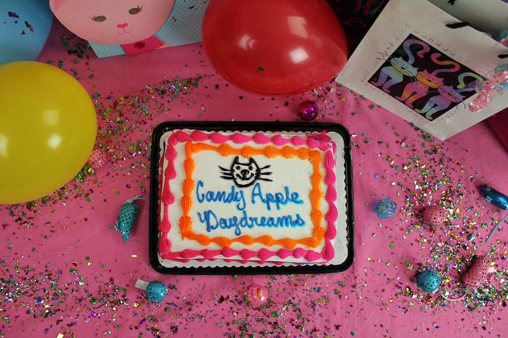 Hyperbubble Cake
