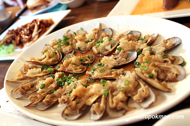 Steamed Bamboo Clams with Garlic