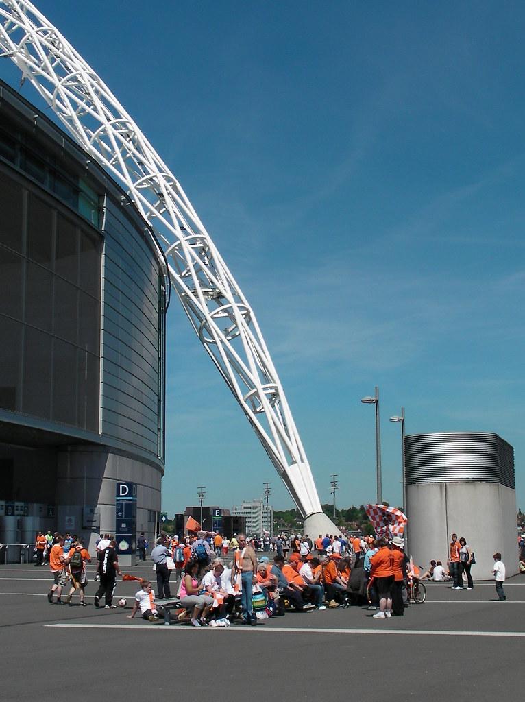 Wembley-Blackpool v Cardiff-Stadium