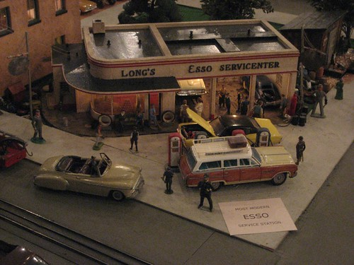 Roadside America - The Most Modern Esso