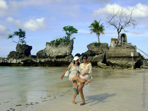 My sis-in-law and niece at Boracay Grotto