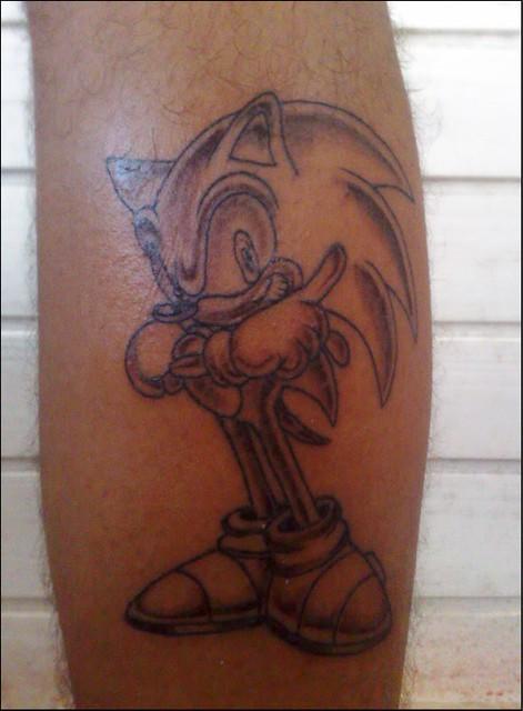 Tattoo Sonic Tatuagem do baixista da Doctor's Zé, Aliguieri. • Links para