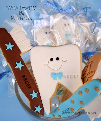 TOOTH AND TOOTHBRUSH COOKIES- BOYS