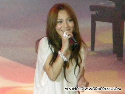 Rachel Liang singing