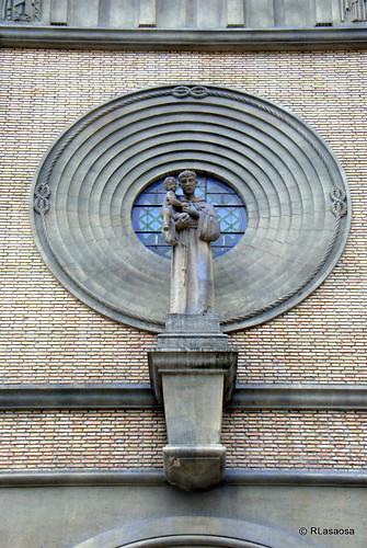 Detalle de la Iglesia del Convento de San Antonio (P.P. Capuchinos), situada en la Avenida de Carlos III y calle San Fermín de Pamplona