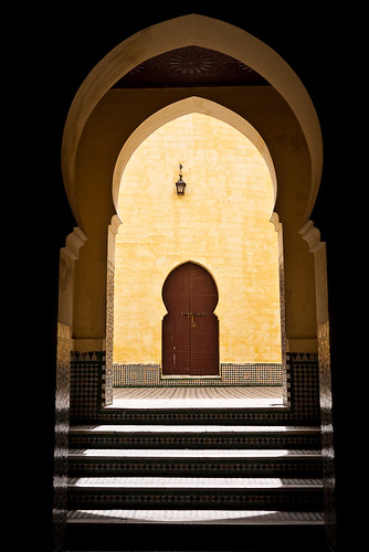 Photo of Meknes by cliffwilliams (via flickr/creative commons)