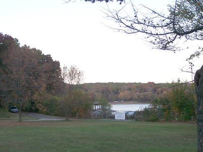 20101012_autumn_on_maple_lake2