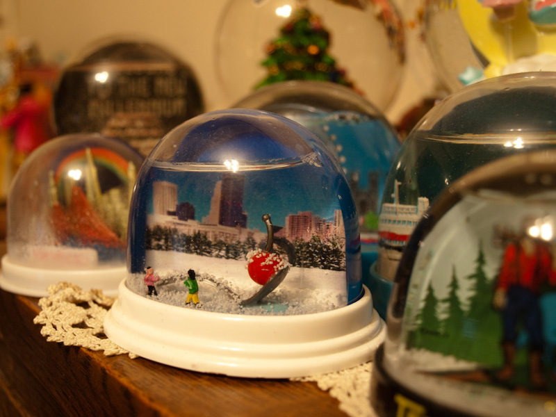 Spoonbridge with Cherry, Snowglobe Version