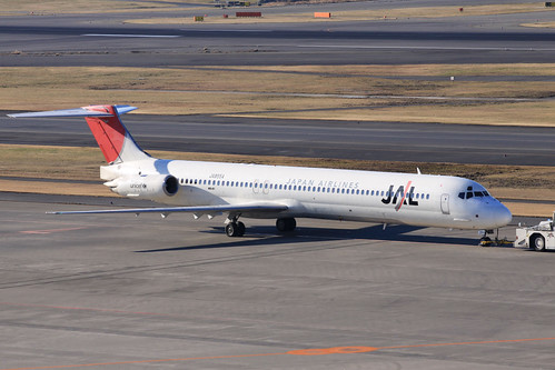 JAL MD-81(JA8554)