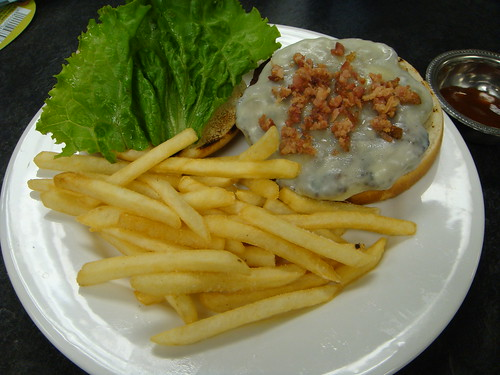Blitman - Hamburger with Chopped Bacon and Fries