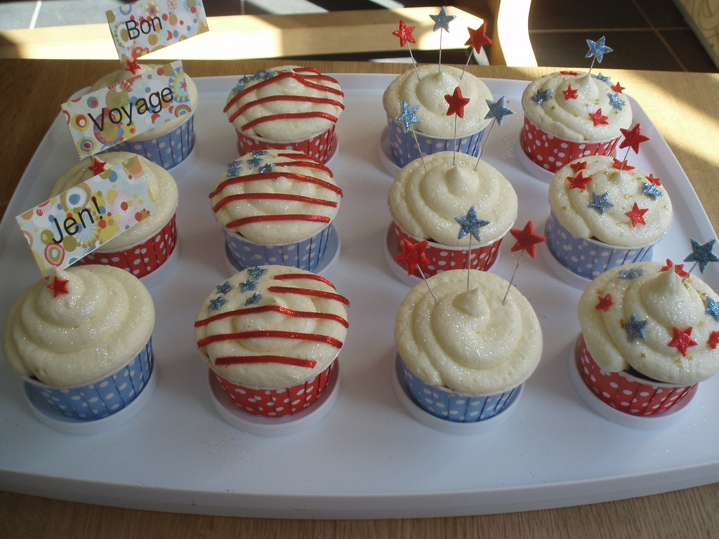American themed cupcakes for a Bon Voyage party