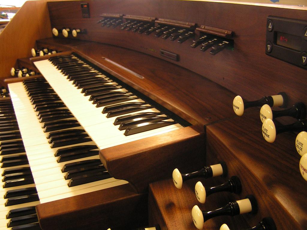 Console destined for Honolulu, Austin Organs
