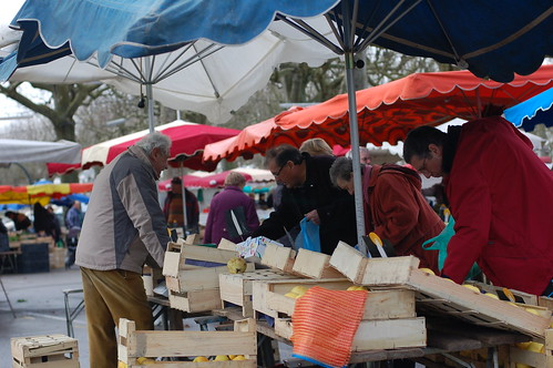 shoppers at Saturday market at Agen