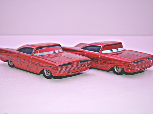 Disney CARS ransburg and regular hydraulic ramone comparison (6)