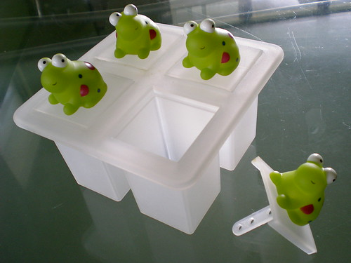 Frogs ice lollies mould 2