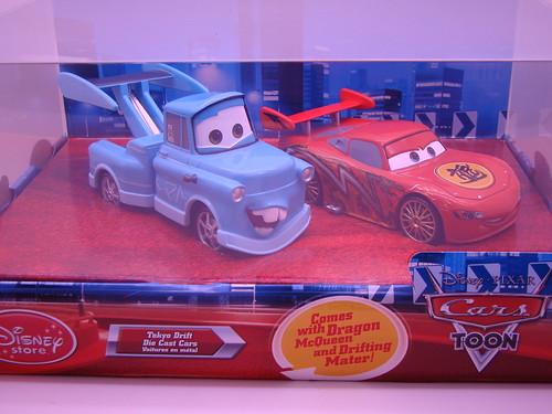 disney store CARS drift mater and dragon mcqueen (11)