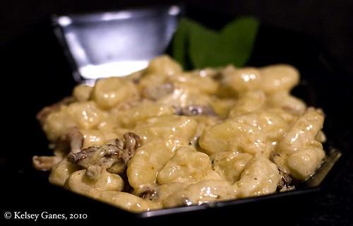 Gnocchi con Pancetta e Salvia
