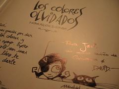 Firma del libro Los Colores Olvidados