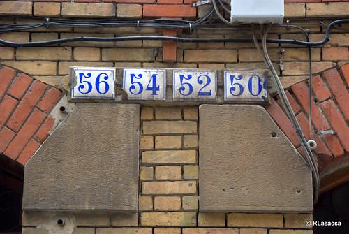 Placas de número de portal en la calle San Gregorio