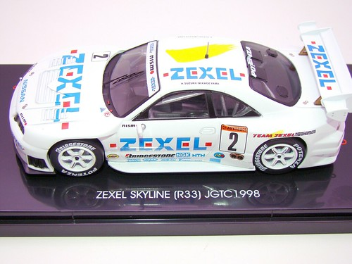 EBBRO ZEXEL SKYLINE R33 JGTC 1998 (1)
