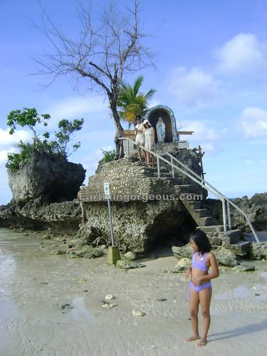Boracay Grotto / Willy's Rock